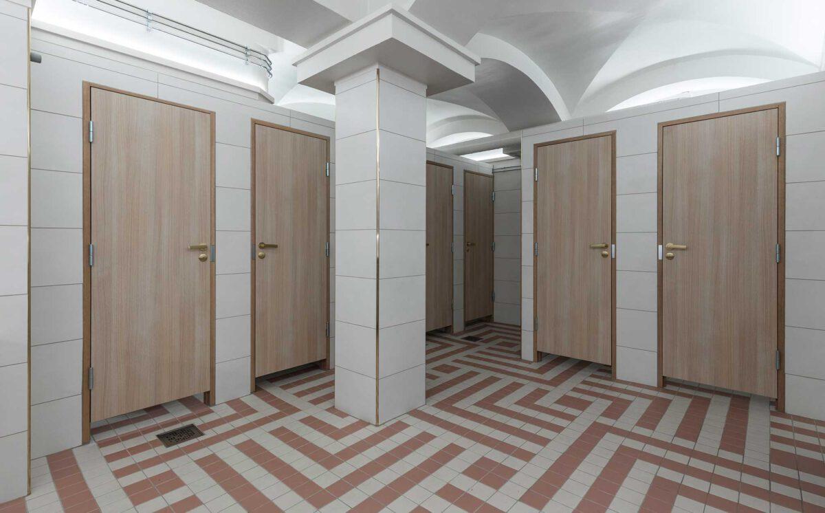Novosan suunnittelukohde: Vanha Ylioppilastalo. Naisten uusi WC-tila.