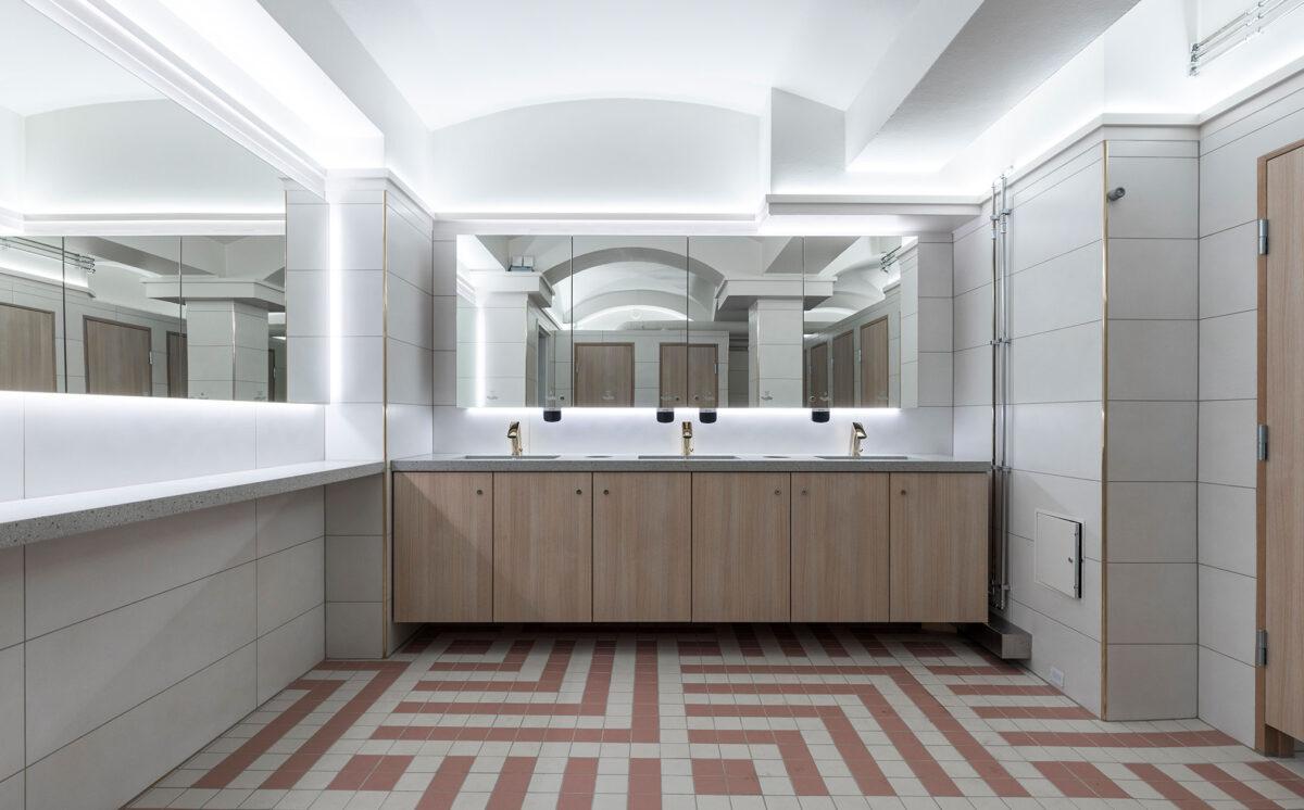 Novosan suunnittelukohde: Vanha Ylioppilastalo. Uusi naisten WC.