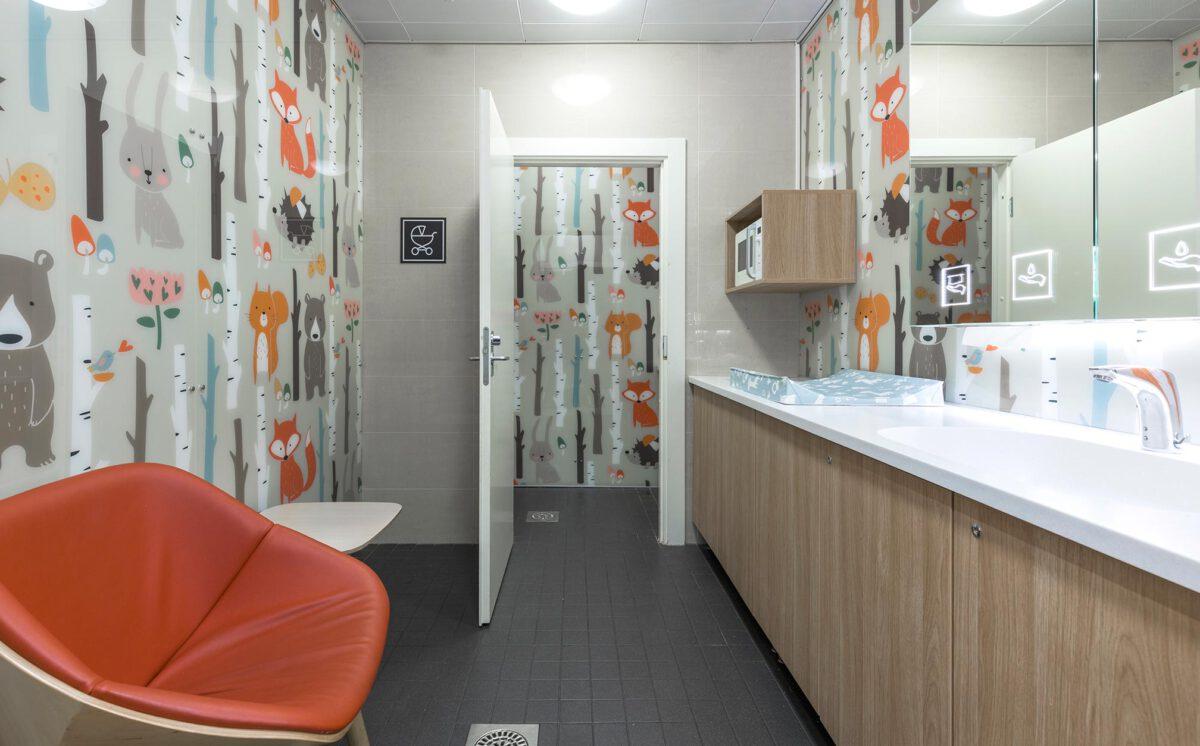 Novosan suunnittelukohde: kauppakeskus Goodman. Uusi lastenhoitohuone.