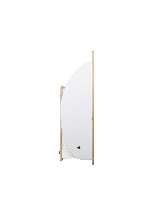 KAWAsimplex-lastenhoitopöytä kuvattuna sivulta, kansi kiinni. Väri: valkoinen. Tuotenumero: TKS7002.