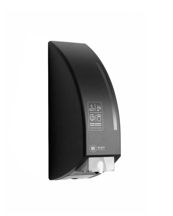 BlackSatino-annostelija WC-pintojen ja -istuimen desinfiointiin. Annostelija on kuvattu viistosti sivulta. Väri: mattamusta. Tuotenumero: 331980.